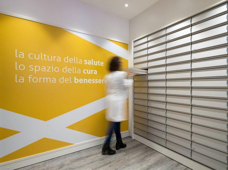 Farmacia Bocchetti, Comiso - cassettiere